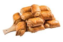 Bloemproducten: baklava en okkernoot geïsoleerd brood stock afbeeldingen