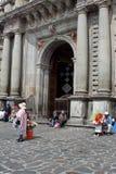 Bloemverkopers bij San Francisco Church, Quito Oude Stad royalty-vrije stock foto's