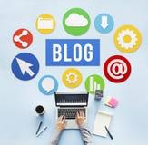 Blog σε απευθείας σύνδεση έννοια ιστοχώρου Blogging ικανοποιημένη στοκ εικόνα με δικαίωμα ελεύθερης χρήσης