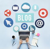Blog-Blogging zufriedene Website-on-line-Konzept Stockfotografie