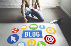 Blog-Blogging zufriedene Website-on-line-Konzept Stockbilder