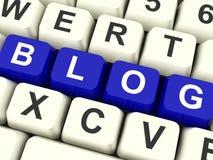 Blog-Computer-Schlüssel im Blau für Blogger-Website Stockfotos