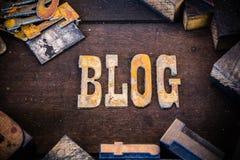 Blog-Konzept-Holz und verrostete Metallbuchstaben Lizenzfreie Stockfotografie