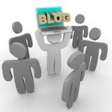 Blog-Laptop - halten zur Masse Lizenzfreie Stockfotos