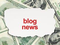 Blog-Nachrichten auf Geldhintergrund Lizenzfreies Stockfoto