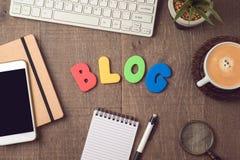 Blog und Informationswebsitekonzept Lizenzfreies Stockbild
