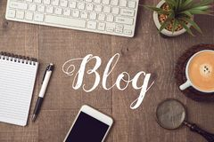 Blog und Informationswebsitekonzept Stockbild