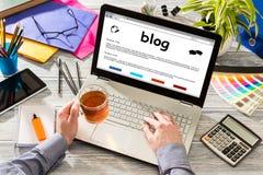 Blog Weblog-Medien-Digital-Wörterbuch-on-line-Konzept Lizenzfreies Stockfoto