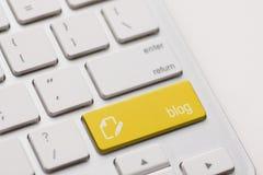 Bloggen skriver in tangent Arkivfoto