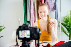Blogger féminin de maquillage Image libre de droits
