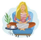 Blogger femenino joven Mujer del Freelancer que usa el ordenador portátil que se sienta en la butaca libre illustration