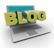 blogging的计算机膝上型计算机 库存照片
