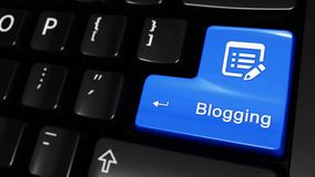 392 Blogging bewegliche Bewegung auf Computer-Tastatur-Knopf stock footage