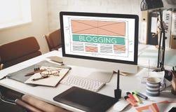 Blogging socialt massmedia för blogg som knyter kontakt internet som förbinder Concep Royaltyfria Bilder
