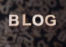 Bloggtext i raka träbokstäver Royaltyfria Bilder