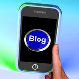 Blogknappen på mobil visar bloggeren Arkivfoto