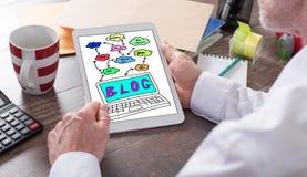 Blogkonzept auf einer Tablette Stockbild