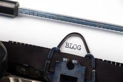 Blogtekst op retro schrijfmachine Royalty-vrije Stock Afbeelding