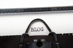 Blogtekst op retro schrijfmachine Royalty-vrije Stock Fotografie