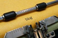 Blogtext auf Schreibmaschine Stockbilder