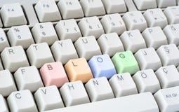 Blogue escrito no teclado de computador Foto de Stock Royalty Free