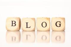 Blogue, soletrado com letras dos dados Imagens de Stock Royalty Free