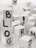 Blogwort gemacht von den hölzernen Buchstaben Lizenzfreie Stockfotos