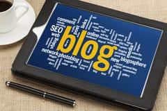 Blogwortwolke auf digitaler Tablette Stockbilder