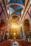 BLOIS, ФРАНЦИЯ - ОКОЛО ИЮНЬ 2014: Интерьер церков St Винсента в Blois стоковая фотография rf