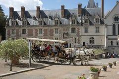 Blois Frankreich das Chateau königlich und Wagen Stockfotos