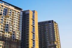 Blok mieszkalny nowożytny i elegancki żywy blok mieszkalny Zdjęcie Stock