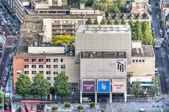 Blok mieszkalny z theatre Zdjęcia Royalty Free