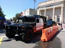 Blokada drogi, wojskowy Stylowy HV-1 Hummer, Rutherford Milicyjny Przeciwawaryjny pojazd Fotografia Royalty Free
