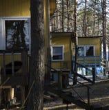 Blokhuis in bos, Letland Stock Foto
