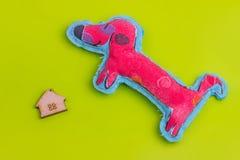 Blokhuis met hond Stock Fotografie