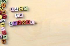 Blokken met brieven terug naar school Royalty-vrije Stock Afbeeldingen