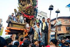 Blokkenwagen van regenrato Machhindranath optocht in Patan, Nepal Royalty-vrije Stock Foto