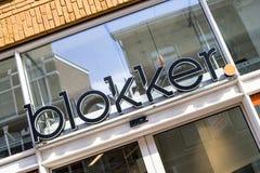 Blokker-Zeichen an der Niederlassung im Stadtzentrum des Goudas, die Niederlande Stockbilder