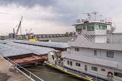 Blokuje i tama na rzece mississippi, łódź Fotografia Royalty Free