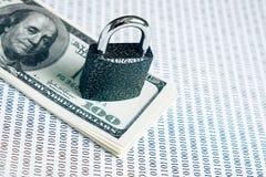 Blokuje na paczce dolary na białym tle z Binarnym kodem fotografia royalty free