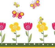 Blom- bakgrund med fjärilar och blommor Royaltyfri Fotografi