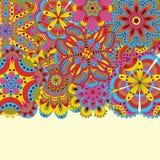 Blom- bakgrund som göras av många mandalas Goda för bröllop, inbjudankort, födelsedagar, etc. Idérik hand drog beståndsdelar vekt Royaltyfri Bild
