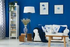 Blom- design i rum Arkivbild