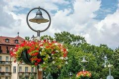 Blom- garnering i den Piestany brunnsorten, Slovakien Royaltyfri Fotografi