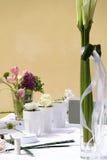 Blom- garnering på bordlägga arkivbilder