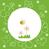 Blom- grön bakgrund med biet och blommor Royaltyfri Foto