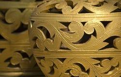 blom- guld- prydnad Royaltyfri Bild
