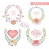 Blom- kransuppsättning för gullig tappning med hjärtor Royaltyfri Bild