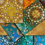 Blom- motiv, habby guld- bakgrund för mosaik Arkivbilder