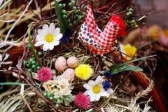 Blom- ordning för påskägg Arkivbild
